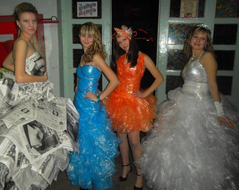 Платья из мусорных мешков картинки