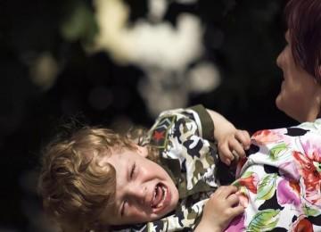 Как прекратить истерику у малыша