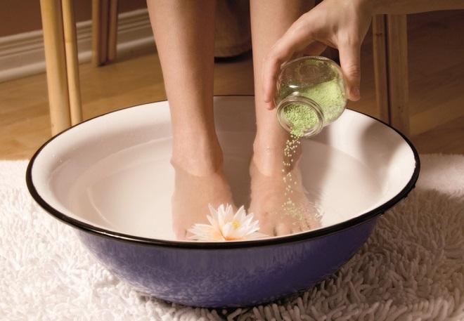 Сделайте горячую ванночку