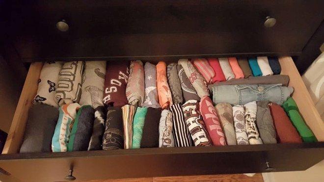 Удобная укладка вещей в шкаф