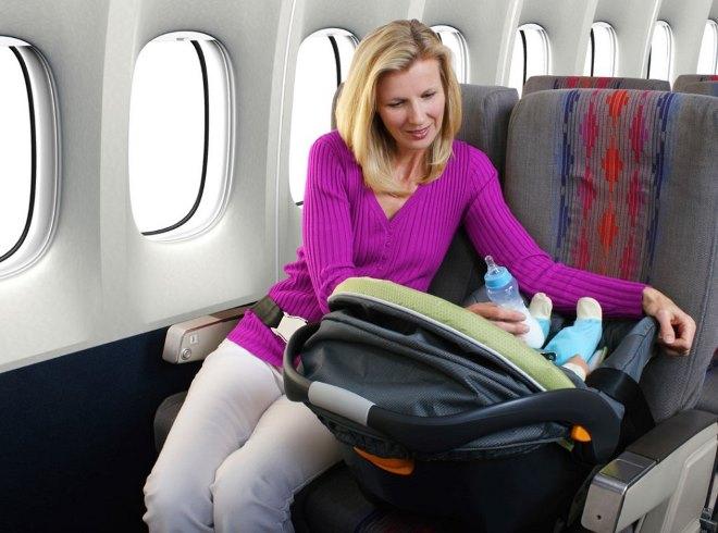 Что нужно знать, если собрались лететь с грудничком