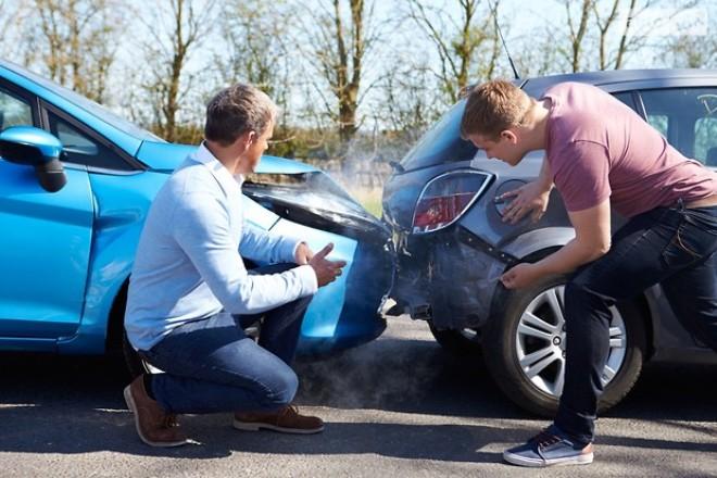 Как действовать, если вам подставили зад автомобиля?
