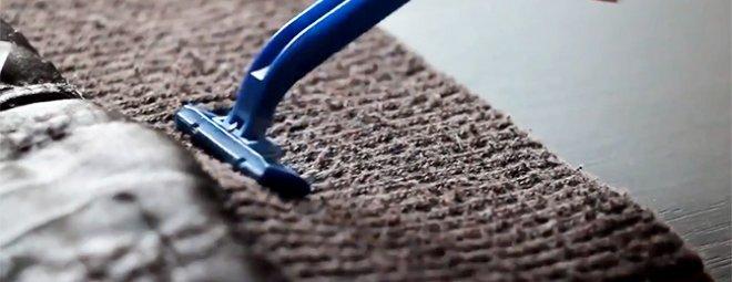 Убираем катышки с одежды с помощью бритвы